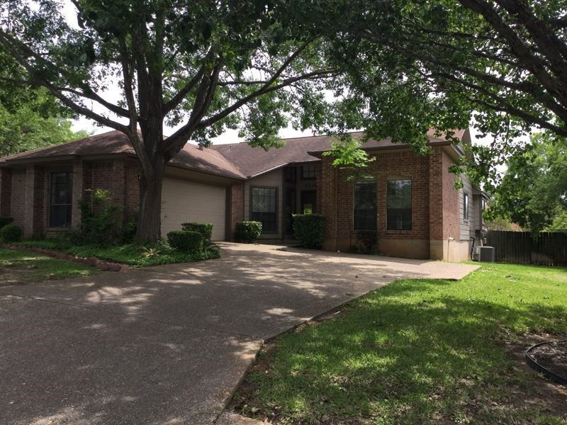San Antonio, TX   3 Bed / 2 Bath