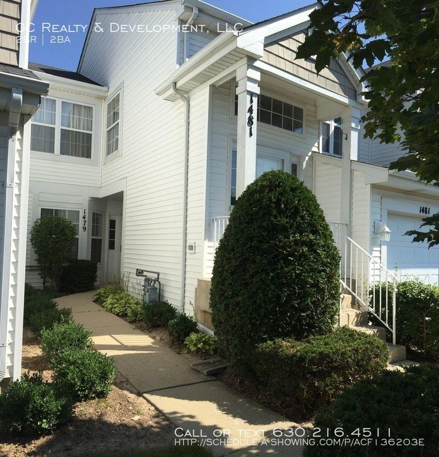 Renting Houses Websites: 1479 Meadowsedge Ln. Carpentersville, IL 60110