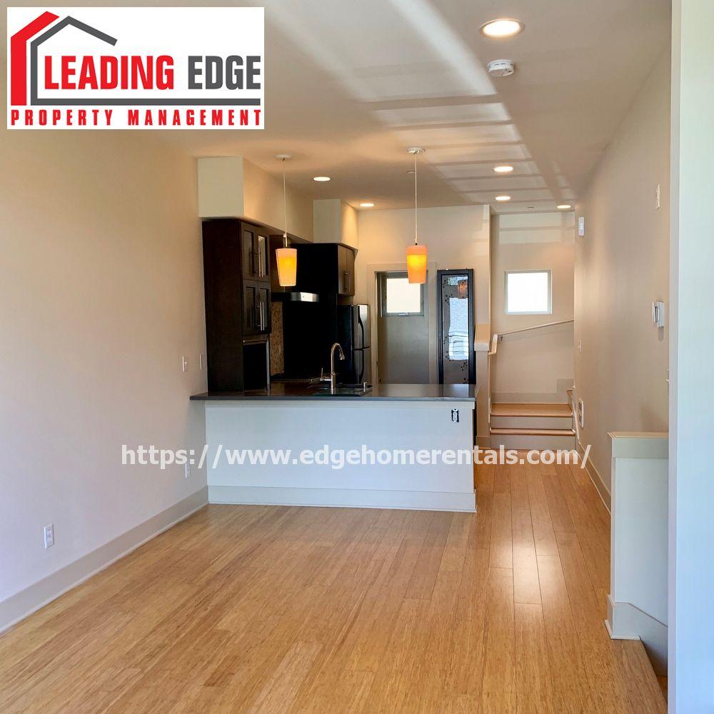 Home Rental Websites: 8117 Stone Avenue North - 1 Seattle, WA 98103